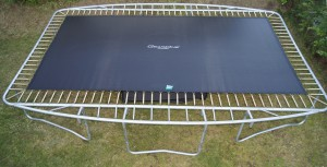 GearOne trampolin under montering